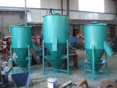 <strong>500公斤饲料搅拌机价格、维修保养及应用</strong>
